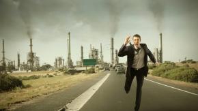 man_jogging_accident_factory_city_environment_79906_1280x720